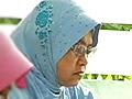 Nenek 55 tahun terharu dapat duduki SPM