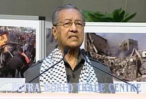 Dr Mahathir dakwa pemimpin UMNO hari ini setia hanya kerana kontrak