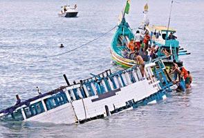 Penumpang panik punca bot karam - Mangsa