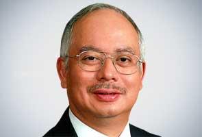 Najib announces decision to defend Umno presidency