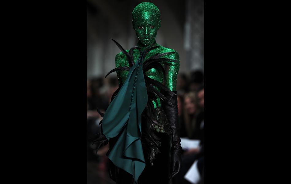 Fyodor Golan, alien, green, fashion, glitter