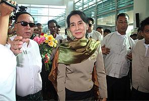 Rohingya: Mengapa Aung San Suu Kyi berdiam diri? - Netizen