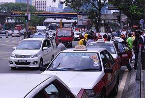 Lebih seratus pemandu teksi bakal gulung tikar