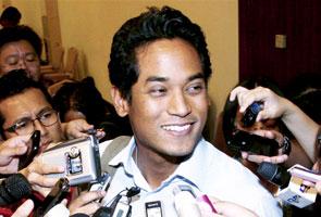 Khairy gesa kerajaan Selangor dibubar susulan 'berkuburnya' Pakatan Rakyat