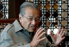 No way out for intruders, says Tun Dr Mahathir