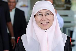 Wan Azizah sahkan tidak akan bertanding