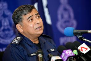 Khalid serah SKMM siasat individu gelar polis seperti anjing