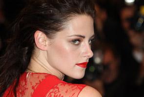 Kristen Stewart, Jesse Eisenberg to play couple on the run