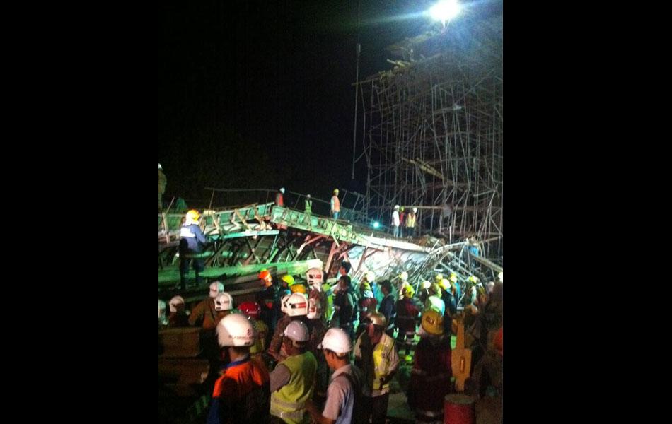 Gambar Ngeri Struktur Binaan Jambatan Kedua Pulau Pinang Runtuh
