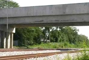 Mayat lelaki ditemui di lintasan kereta api dipercayai digilis