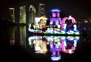 Spectacular closing for 'Magic of the Night' boat parade