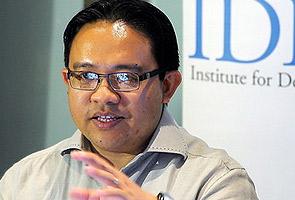 Kenapa tidak calonkan ulama jadi presiden UMNO? - Wan Saiful