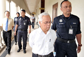 Bekas pengarah, CEO mengaku tidak bersalah gelapkan RM30 juta