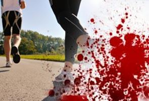 Suami isteri maut dirempuh kereta ketika joging