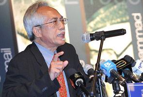 Kadir Jasin berpuisi pertahan Tun Mahathir