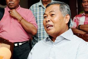 Bekas Menteri Besar Terengganu, Ahmad Said kembali sertai UMNO - MB