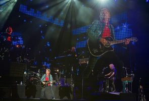 Bon Jovi thrills crowd at Rio gig