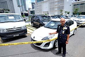 Polis KL patahkan cubaan seludup kereta mewah curi bernilai RM2.07 juta
