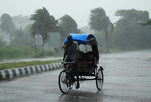 Three confirmed dead in Indian cyclone: state official