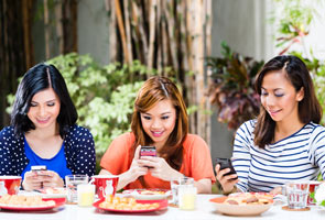How Instagram can spoil your appetite: study