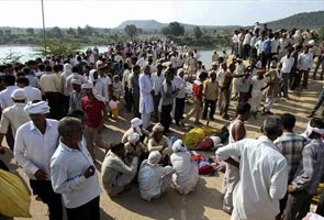 India temple stampede death toll rises to 109
