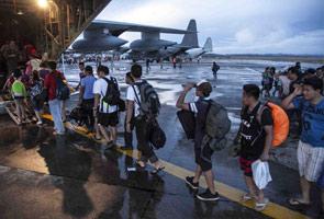 Bantuan tempatan, antarabangsa tersadai di lapangan terbang
