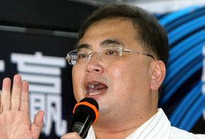 Wee Ka Siong beri peringatan kepada UMNO, mohon pendapatan rakyat diselaraskan