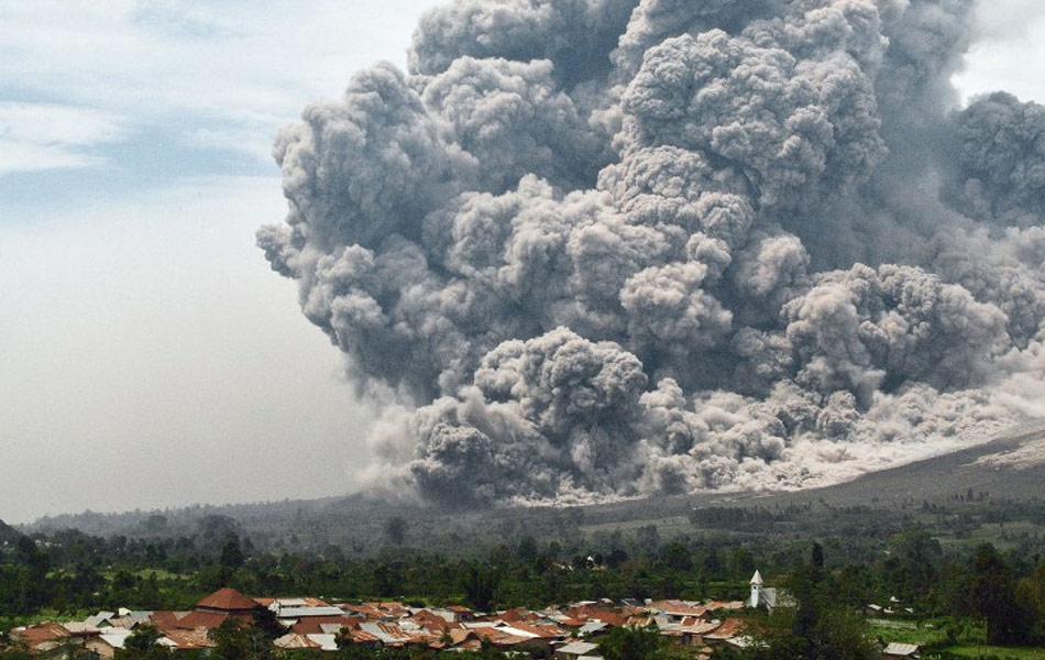 Letusan Gunung Berapi Sinabung, Indonesia