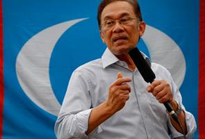 Siapa pengganti Anwar sekiranya dipenjarakan?