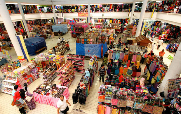 Malaysia, tourists shopping paradise