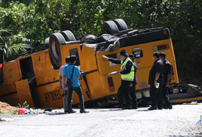 Bas sekolah terbabas di Hulu Langat, seorang pelajar maut