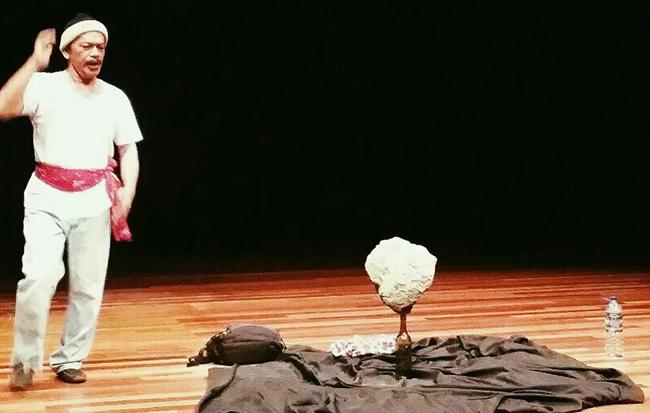 Khalid Salleh Monolog Jual Ubat