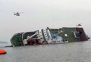 Four dead, 284 missing in S. Korea ferry sinking