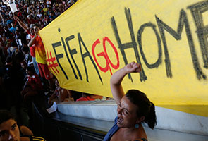 WORLD CUP: BRAZIL POLICE FIRE TEAR GAS AT PROTESTERS