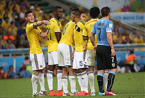 AKSI PERLAWANAN BRAZIL-CHILE & COLOMBIA-URUGUAY
