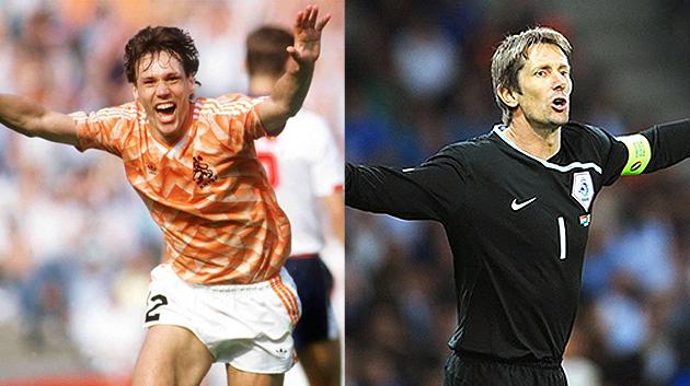 Marco van Basten dan Edwin van der Sar ketika beraksi bersama skuad Oranje.