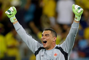 MONDRAGON BECOMES OLDEST PLAYER AT A WORLD CUP