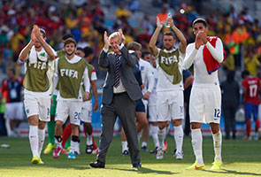 COSTA RICA DRAW 0-0 WITH ENGLAND, TOPS GROUP D