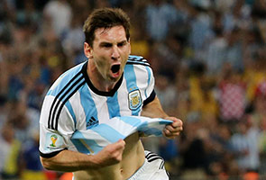 FRUSTRATED MESSI HOPING ARGENTINA ATTACK