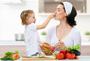 parental roles in socializing children This article reviews the three major ways parents influence children: the content of adult socialization is potentiated a child the role of parents in.