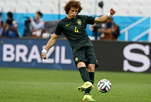 WORLD CUP: CHILE PACE WORRYING BRAZIL'S LUIZ