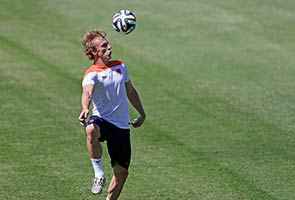 WORLD CUP: KUYT TO WIN 100TH DUTCH CAP AGAINST MEXICO