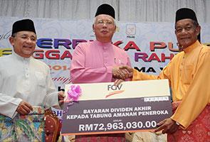 Peneroka Felda dapat dividen RM72.9 juta Jumaat