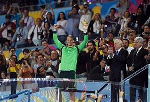 NEUER WINS WORLD CUP GOLDEN GLOVE