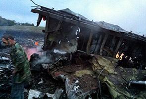 Gambar MH17 terhempas