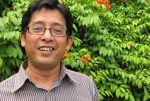 'Saya sepatutnya naik MH17' - Anak Khoo Kay Kim