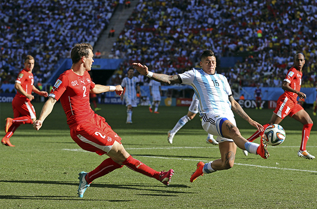 ARGENTINA DEFEATS SWITZERLAND, 1-0