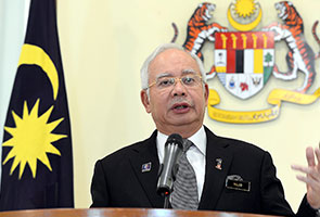 Anggota UMNO diingat hati-hati keluarkan pendapat - Najib
