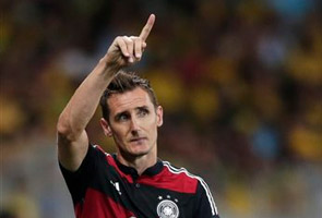WORLD CUP: KLOSE TO PARTY IF GERMANY WINS