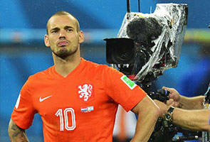 WORLD CUP: DUTCH FATE UNDESERVED, SAYS SNEIJDER